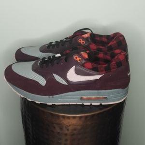 NIKE AIR MAX - men's sneaker - size 13 - NO BOX